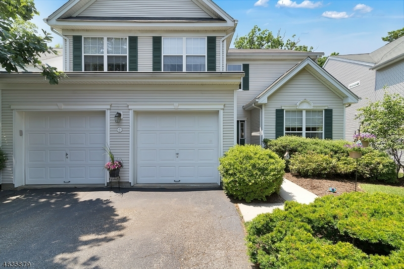 Additional photo for property listing at 6 Brown Ridge Court  Cedar Grove, Nueva Jersey 07009 Estados Unidos
