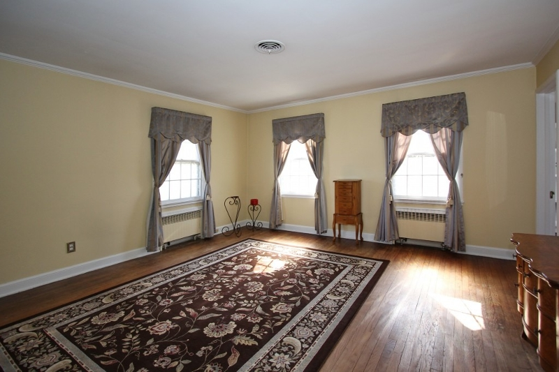 Additional photo for property listing at 1650 FOREST HILL ROAD  Plainfield, New Jersey 07060 United States
