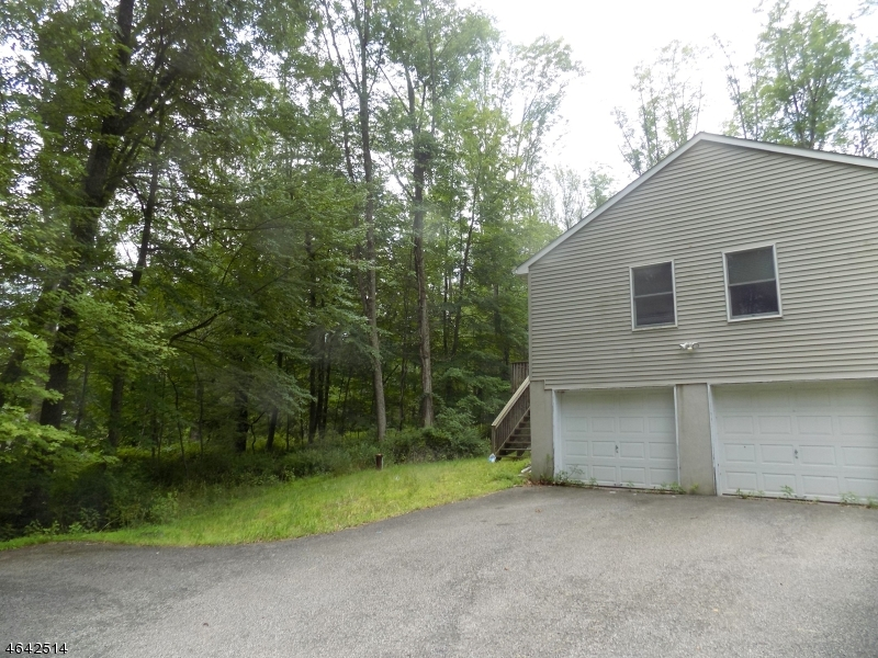 Additional photo for property listing at 3 Katie Lane  Newton, New Jersey 07860 États-Unis