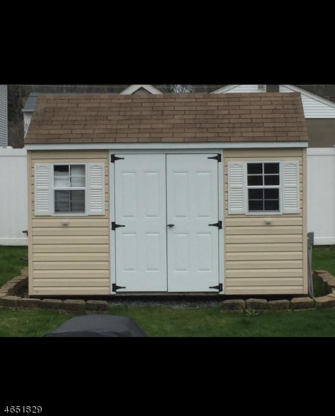 Additional photo for property listing at 53 Pine Blvd  Cedar Knolls, Нью-Джерси 07927 Соединенные Штаты