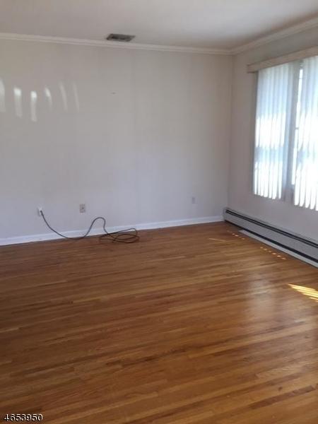 Maison unifamiliale pour l à louer à 23 PEHLE Avenue Saddle Brook, New Jersey 07663 États-Unis