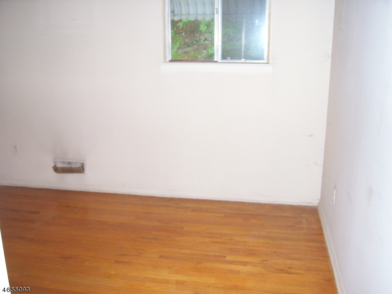 Additional photo for property listing at 77 Daniel Street  Dover, New Jersey 07801 United States