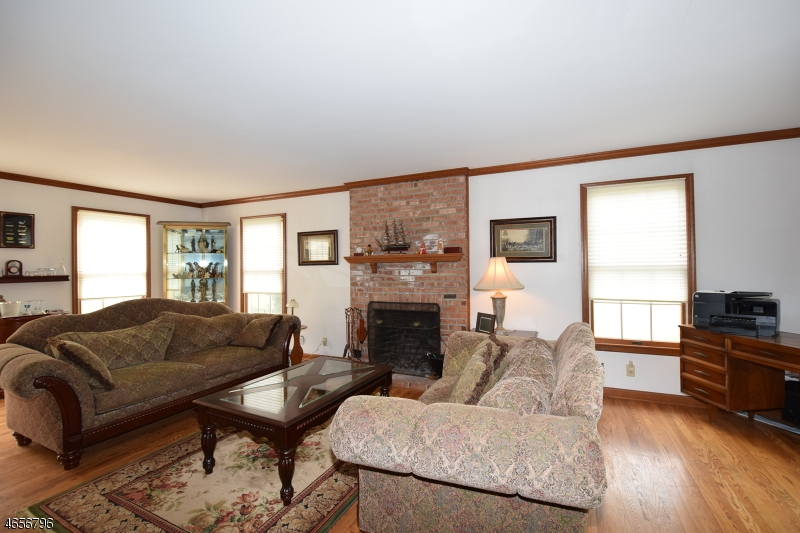 Additional photo for property listing at 43 Culver Street  Somerset, New Jersey 08873 États-Unis