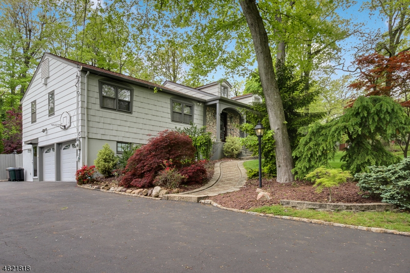 Additional photo for property listing at 26 Dodie Drive  Parsippany, Nueva Jersey 07054 Estados Unidos