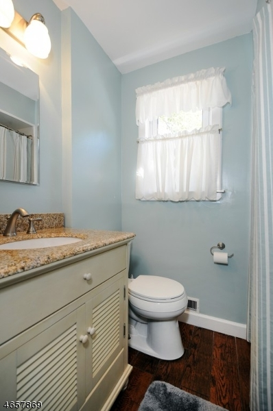 Additional photo for property listing at 20 Pallant Avenue  Linden, Нью-Джерси 07036 Соединенные Штаты