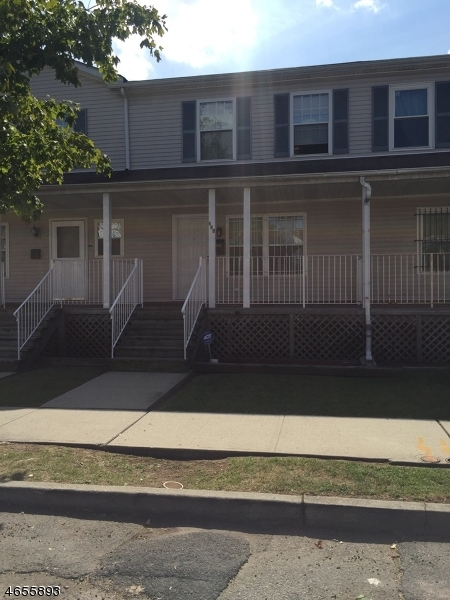 Additional photo for property listing at 134 Dickerson Street  Newark, New Jersey 07107 États-Unis
