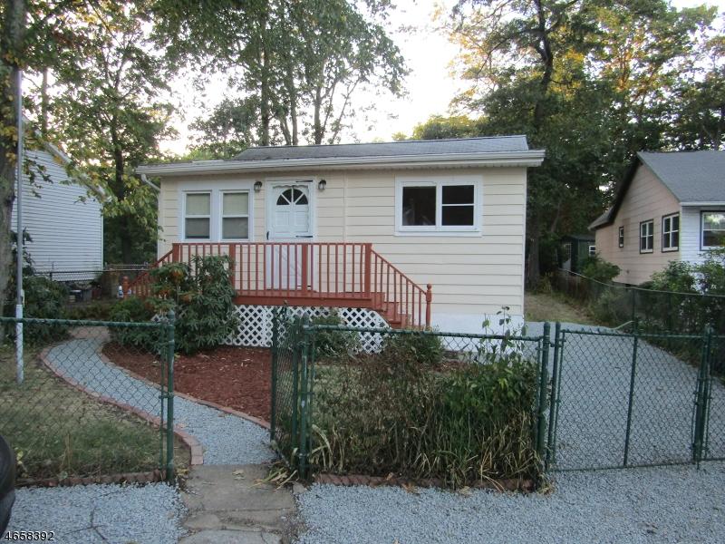独户住宅 为 销售 在 4 Northwestern Trail Hopatcong, 新泽西州 07843 美国