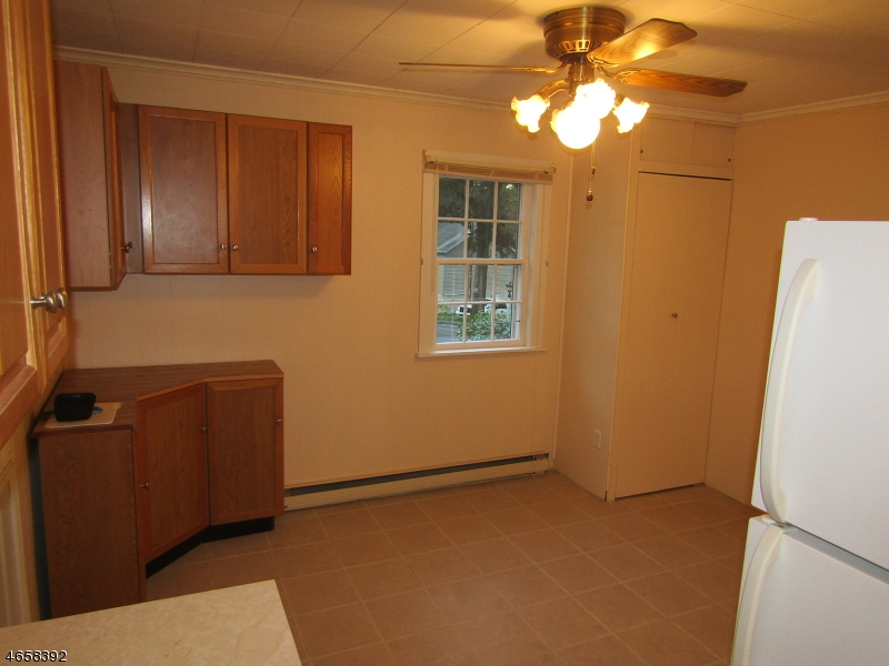 Additional photo for property listing at 4 Northwestern Trail  Hopatcong, 新泽西州 07843 美国