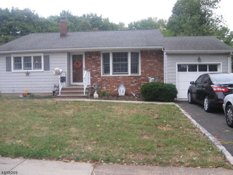 Single Family Home for Sale at 309 Ledden Ter South Plainfield, New Jersey 07080 United States