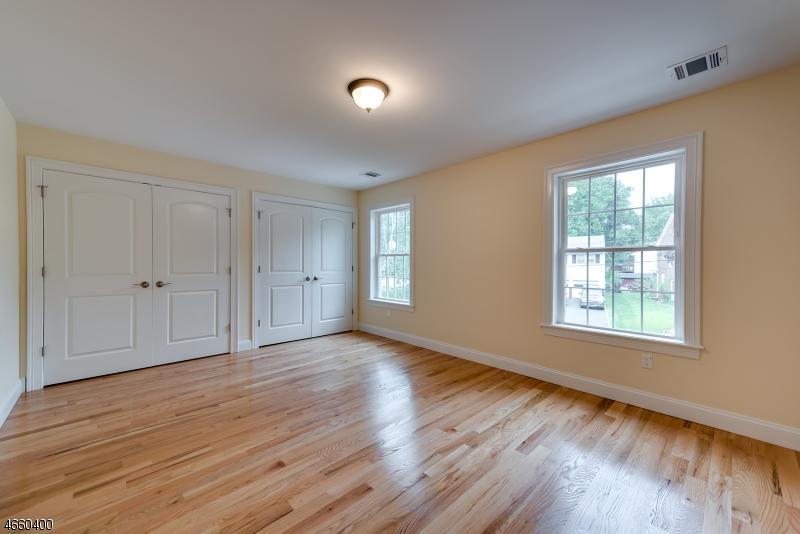 Additional photo for property listing at 1083 Azalea Road  Union, Nueva Jersey 07083 Estados Unidos