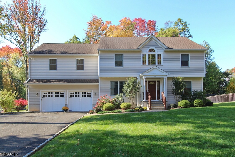 Single Family Home for Sale at 25 Orion Road Berkeley Heights, 07922 United States