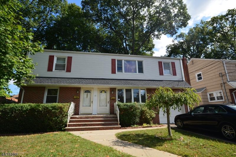 Casa Multifamiliar por un Venta en 55 Woods Avenue Bergenfield, Nueva Jersey 07621 Estados Unidos