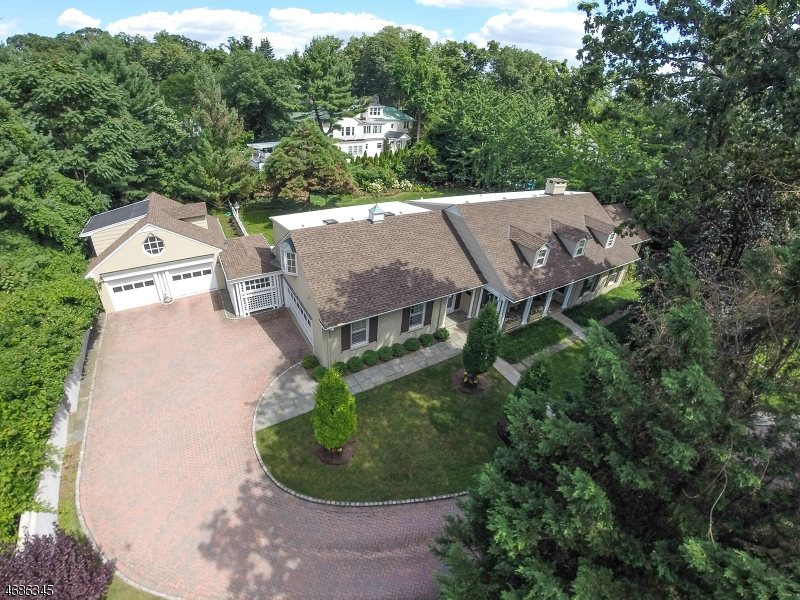 Частный односемейный дом для того Продажа на 25 Sherman Avenue Summit, 07901 Соединенные Штаты
