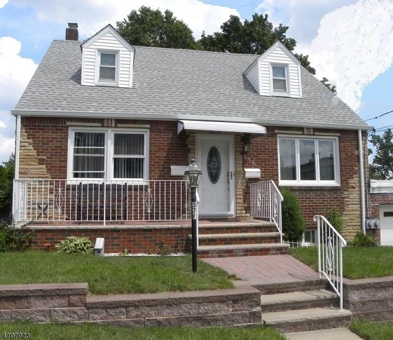 Частный односемейный дом для того Аренда на 370 Mason Avenue Haledon, Нью-Джерси 07508 Соединенные Штаты