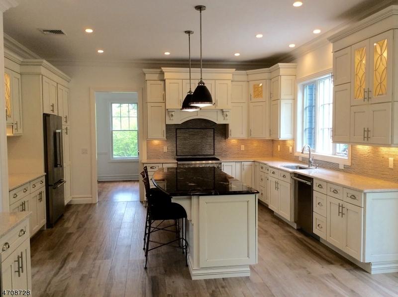 Einfamilienhaus für Verkauf beim 268 HILLSIDE Avenue Chatham, New Jersey 07928 Vereinigte Staaten
