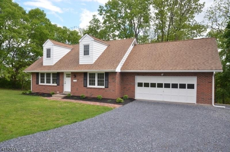 Частный односемейный дом для того Аренда на 132 HILLCREST DRIVE Milford, Нью-Джерси 08848 Соединенные Штаты