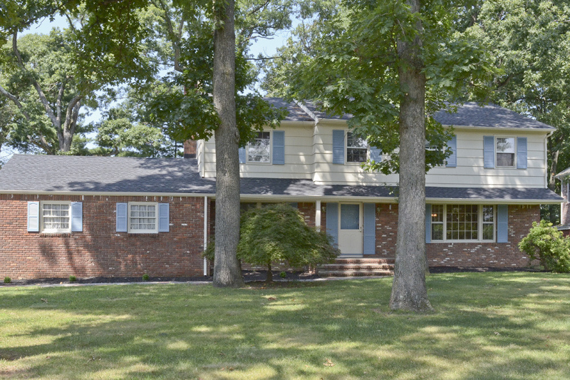 Single Family Home for Rent at 106 WATCHUNG BLVD Berkeley Heights, New Jersey 07922 United States