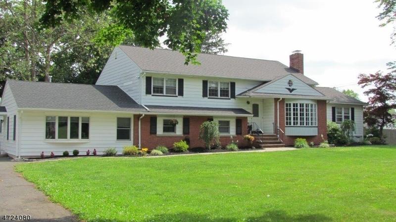 Nhà ở một gia đình vì Bán tại 401 Whiton Road Branchburg, New Jersey 08853 Hoa Kỳ