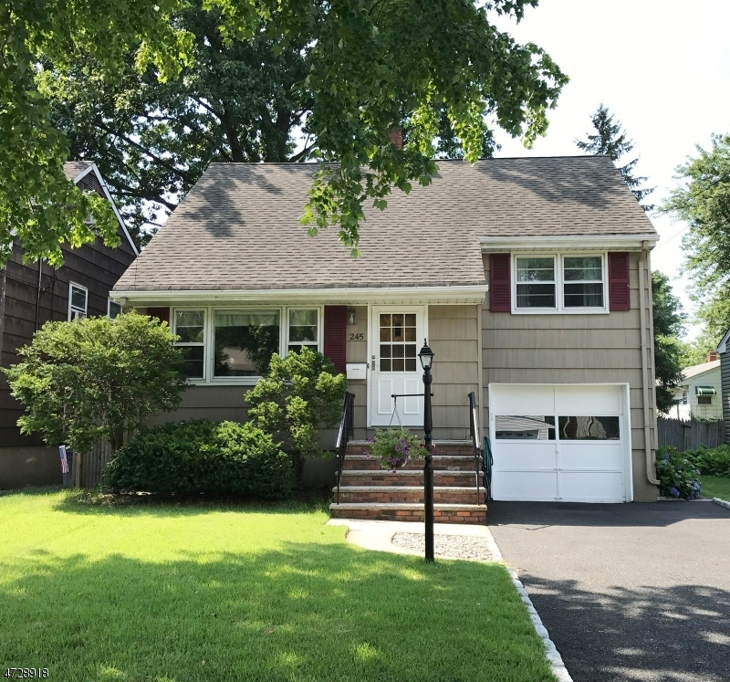 Single Family Home for Sale at 245 Myrtle Avenue Garwood, New Jersey 07027 United States