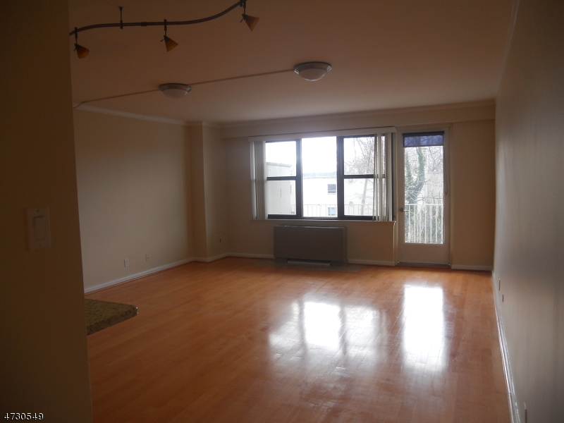 Casa Unifamiliar por un Alquiler en Address Not Available Passaic, Nueva Jersey 07055 Estados Unidos