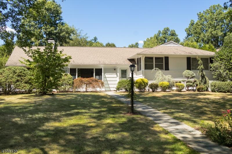 独户住宅 为 销售 在 44 Rolling Hill Drive 查塔姆, 新泽西州 07928 美国