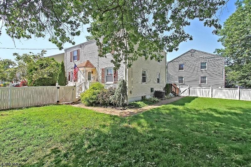 Casa Unifamiliar por un Alquiler en 619 Thomas Place Bound Brook, Nueva Jersey 08805 Estados Unidos