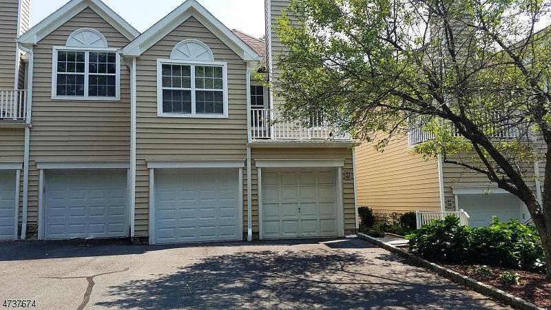 Частный односемейный дом для того Аренда на 64 Springholm Drive Berkeley Heights, Нью-Джерси 07922 Соединенные Штаты