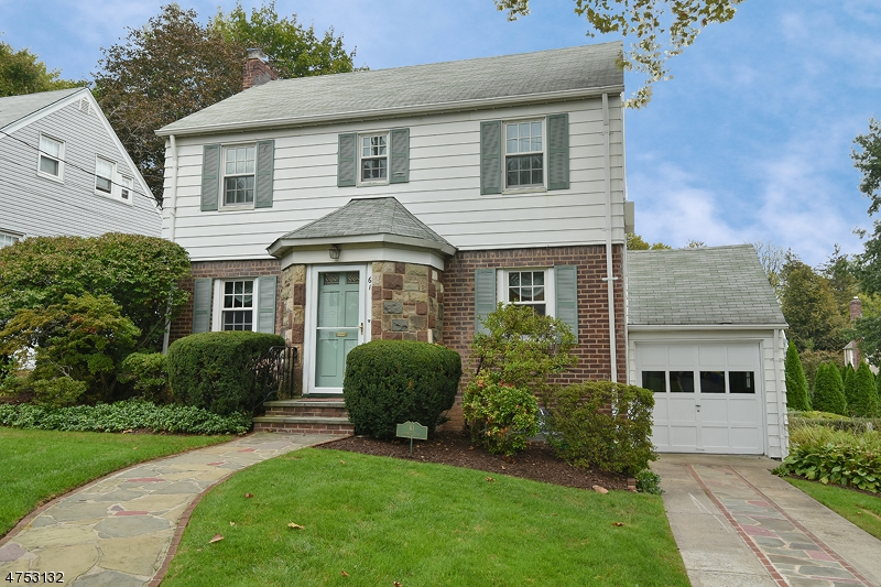 Single Family Home for Sale at 61 Werner Place Teaneck, New Jersey 07666 United States
