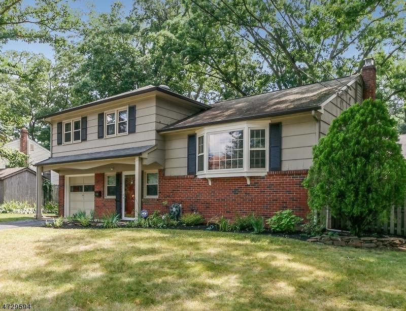 Casa Unifamiliar por un Venta en 68 Shady Lane Fanwood, Nueva Jersey 07023 Estados Unidos
