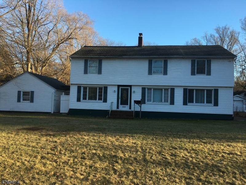 Maison unifamiliale pour l Vente à 305 Greenbrook Road North Plainfield, New Jersey 07060 États-Unis