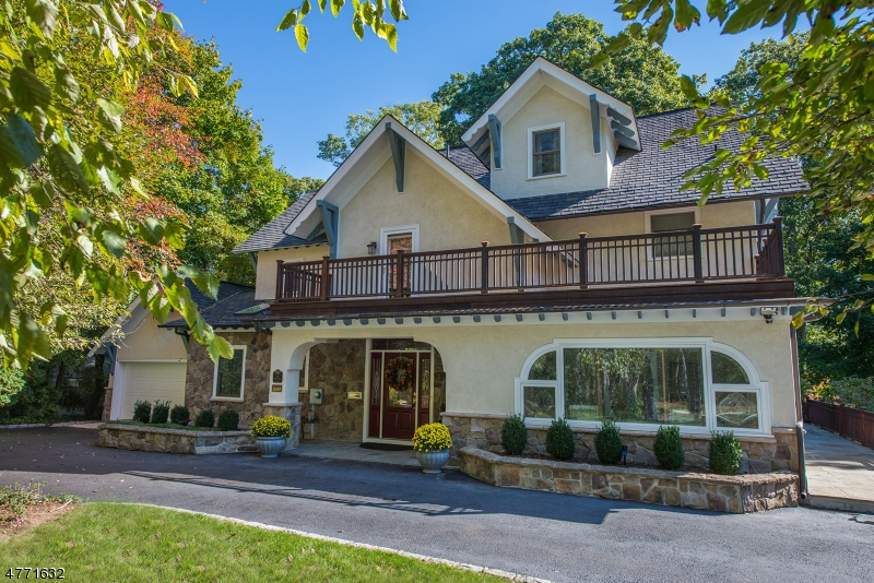 Single Family Home for Sale at 9 Briarcliff Road Mountain Lakes, New Jersey 07046 United States