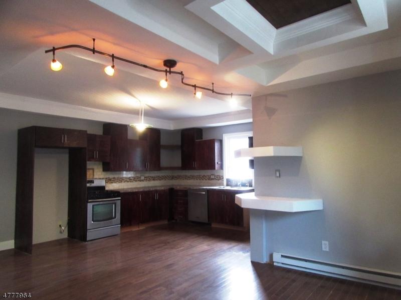 Maison unifamiliale pour l à louer à 411 Highland Avenue Passaic, New Jersey 07055 États-Unis