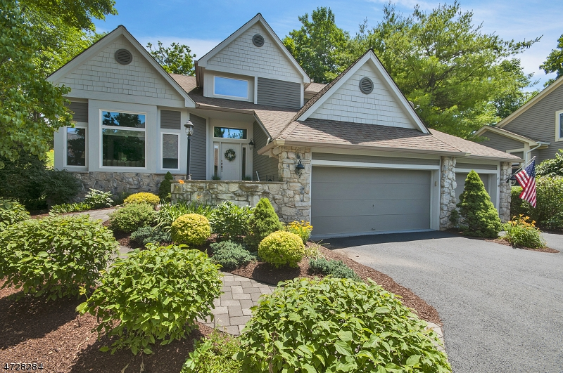 Частный односемейный дом для того Продажа на 17 Red Oak Drive Hardyston, Нью-Джерси 07419 Соединенные Штаты