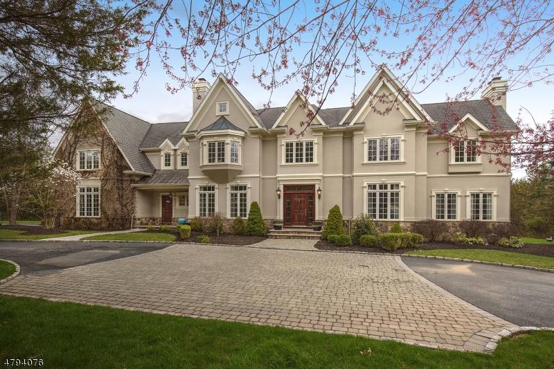 Maison unifamiliale pour l Vente à 6 FOX HUNT Court Far Hills, New Jersey 07931 États-Unis