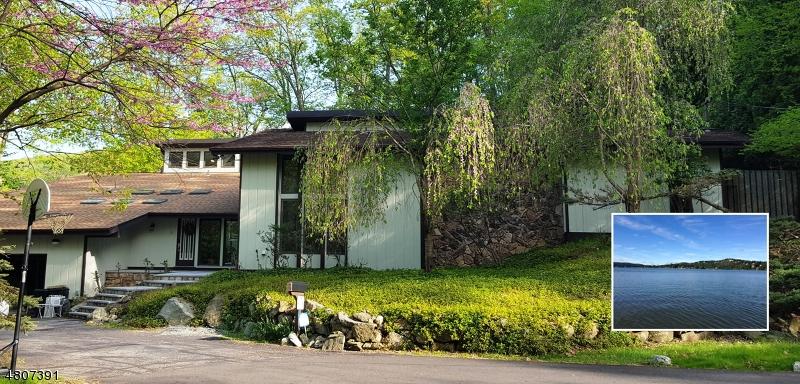 Casa Unifamiliar por un Venta en 2 Sleepy Lagoon Ter Byram Township, Nueva Jersey 07871 Estados Unidos