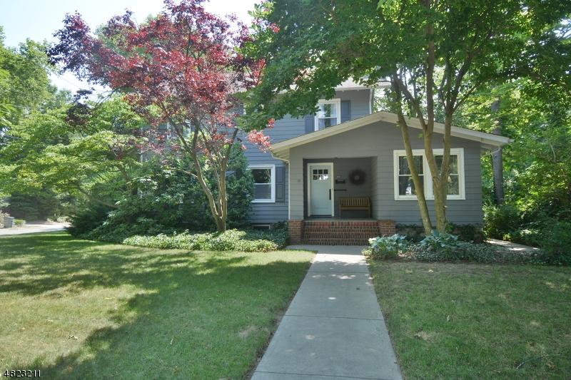 Single Family Home for Sale at 85 N PLEASANT Avenue Ridgewood, New Jersey 07450 United States