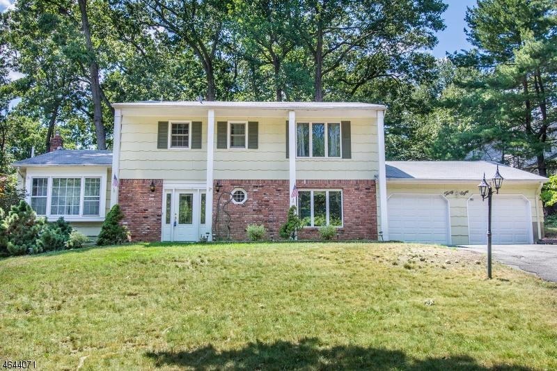 Casa Unifamiliar por un Alquiler en 38 PONDVIEW Road Parsippany, Nueva Jersey 07950 Estados Unidos