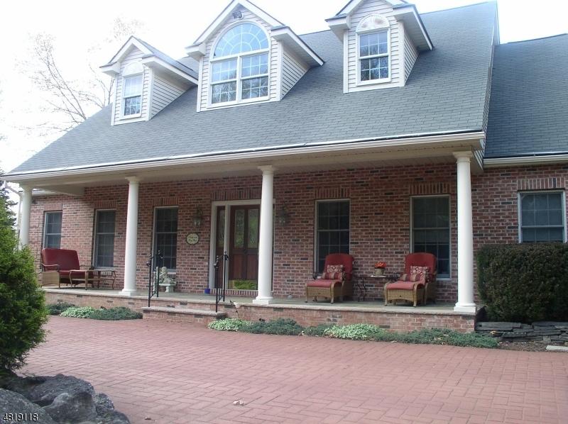 Enfamiljshus för Försäljning vid 99 RIDGE Road Allamuchy, New Jersey 07840 Usa