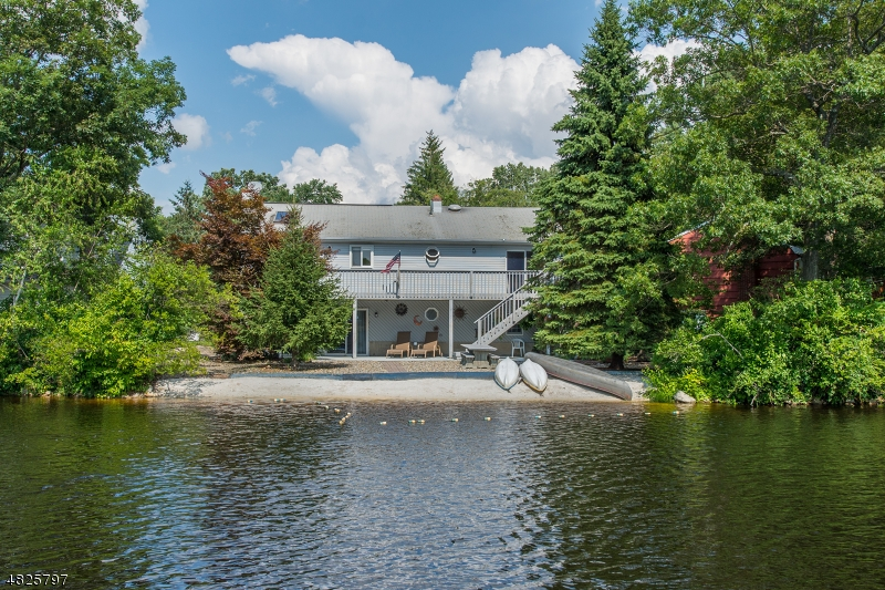 独户住宅 为 销售 在 4 ISLAND Trail Jefferson Township, 新泽西州 07849 美国