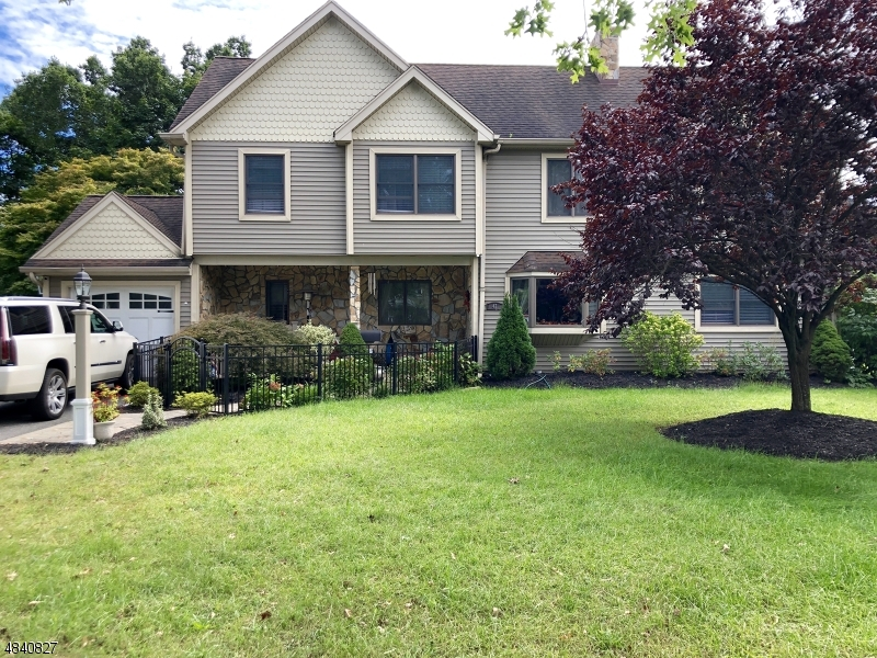 Single Family Home for Sale at 47 MOUNTAIN Avenue Pequannock, New Jersey 07444 United States