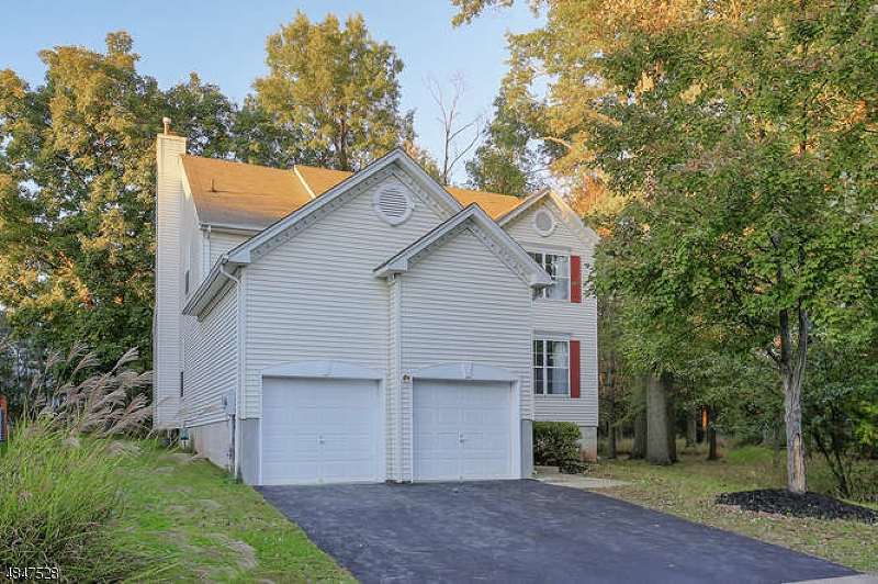 Single Family Home for Sale at 23 HUNTLEY WAY Bridgewater, New Jersey 08807 United States