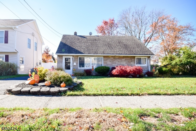Single Family Home for Sale at 167 STEWART TER 167 STEWART TER Totowa Boro, New Jersey 07512 United States
