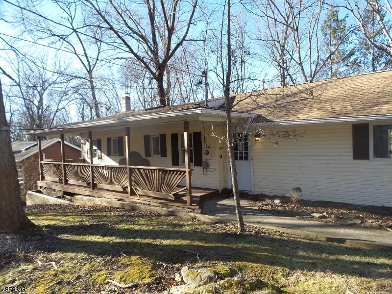 Property 為 出售 在 931 CEDAR Drive Stillwater, 新澤西州 07860 美國