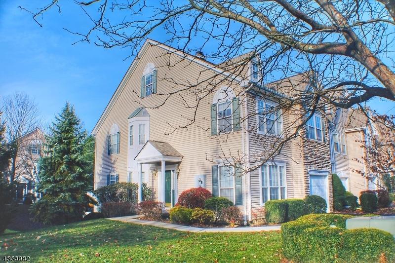 Condo / Townhouse pour l à louer à 19 BATTALION Drive Bernards Township, New Jersey 07920 États-Unis