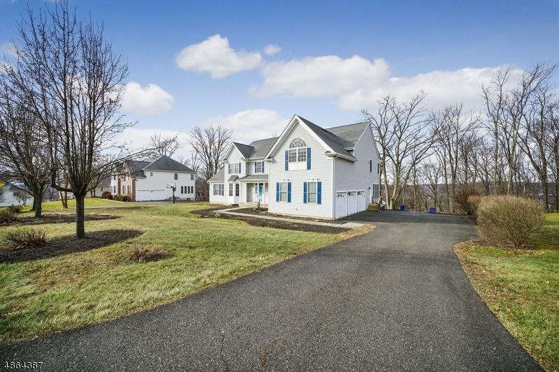 Enfamiljshus för Försäljning vid 20 NORTHRIDGE Court Washington, New Jersey 07853 Förenta staterna