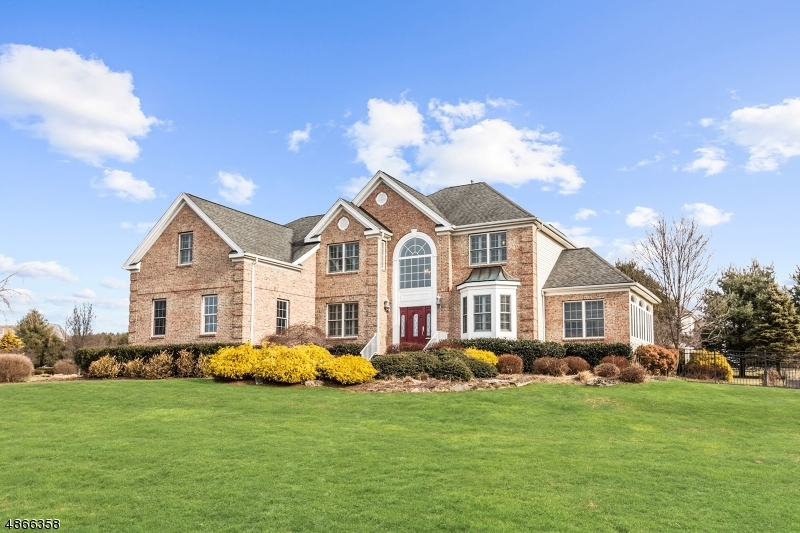 獨棟家庭住宅 為 出售 在 2 AUGUSTA Drive Mount Olive, 新澤西州 07836 美國