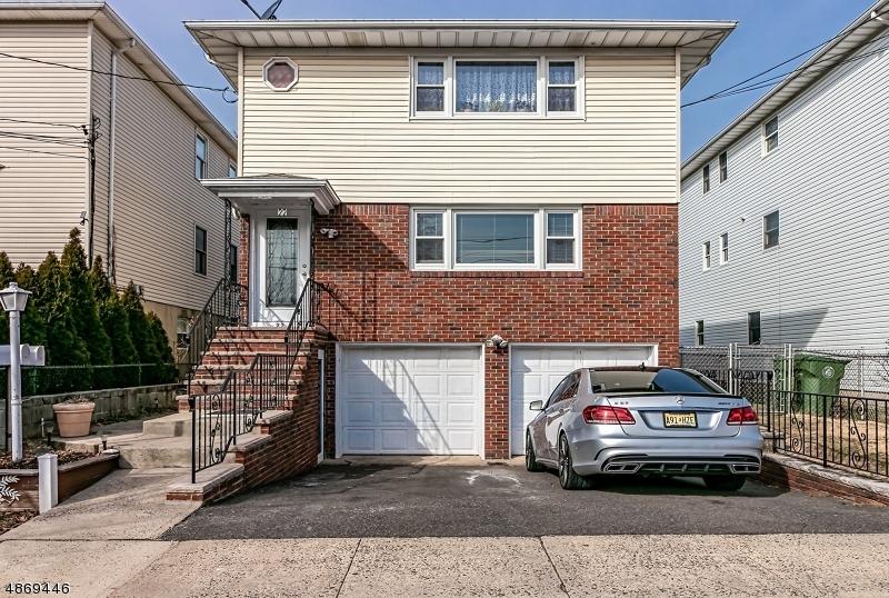 Многосемейный дом для того Продажа на 22 W MUNSELL Avenue Linden, Нью-Джерси 07036 Соединенные Штаты