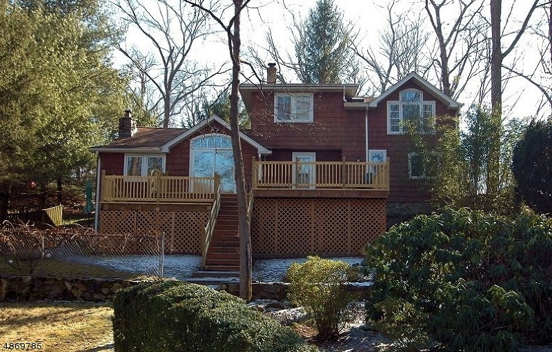 Single Family Home for Sale at Bloomingdale, New Jersey 07403 United States