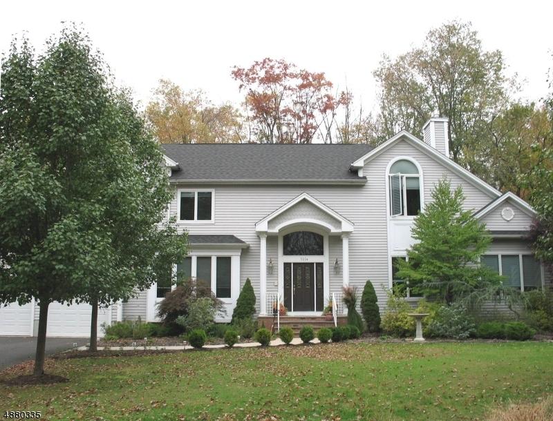 Частный односемейный дом для того Аренда на 522 GREEN VILLAGE Road Chatham, Нью-Джерси 07935 Соединенные Штаты