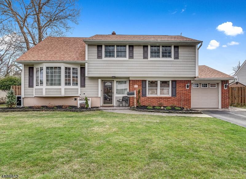 Μονοκατοικία για την Πώληση στο 4 LAURI Lane Middlesex, Νιου Τζερσεϋ 08846 Ηνωμένες Πολιτείες